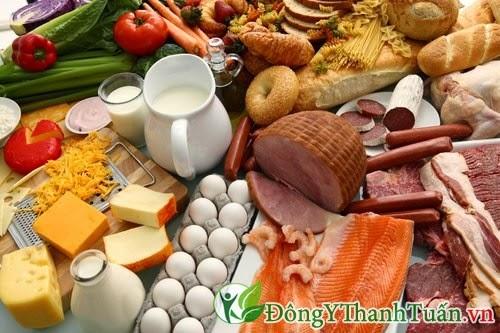 Cách phòng tránh bệnh viêm mũi dị ứng - Chế độ ăn uống hợp lý
