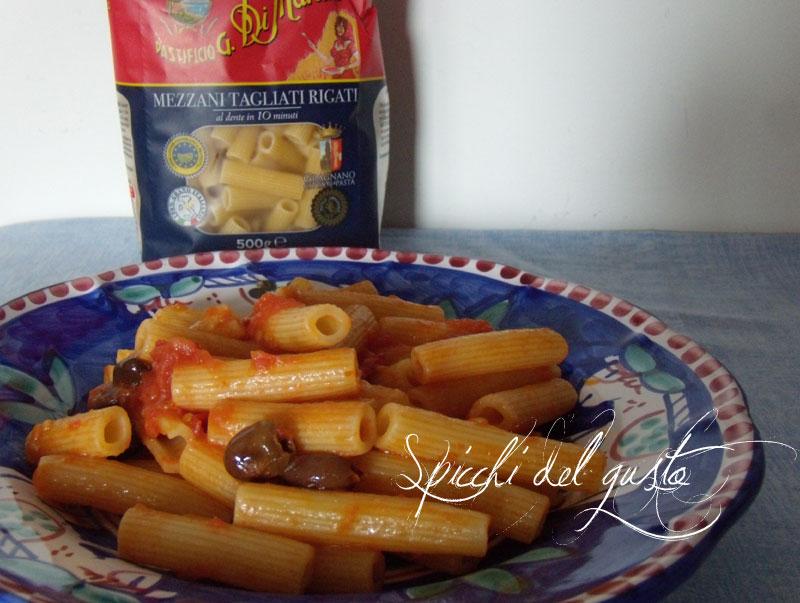 Pasta con olive taggiasche
