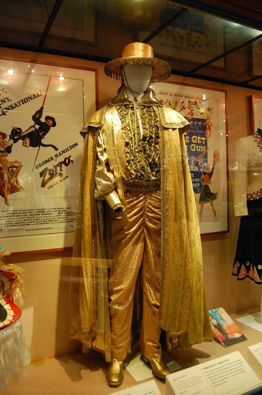 "Costume de Zorro, ""The Gay Blade"" (parodie)"