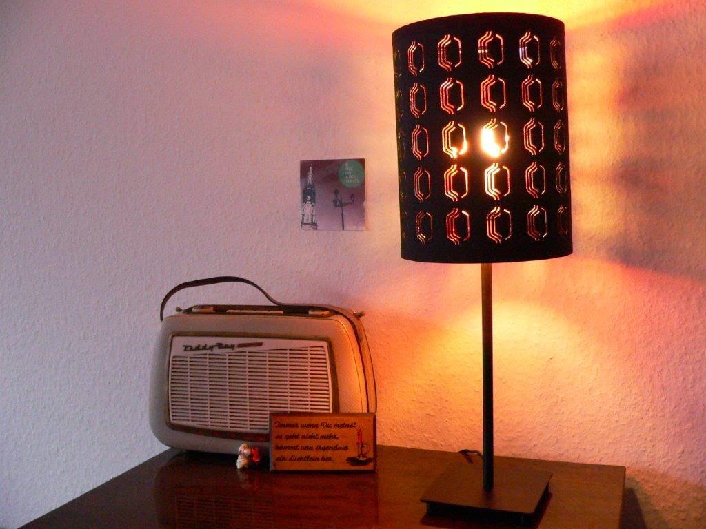 Fernsehschrank Bild Radio nostalgie Lampe IKEA