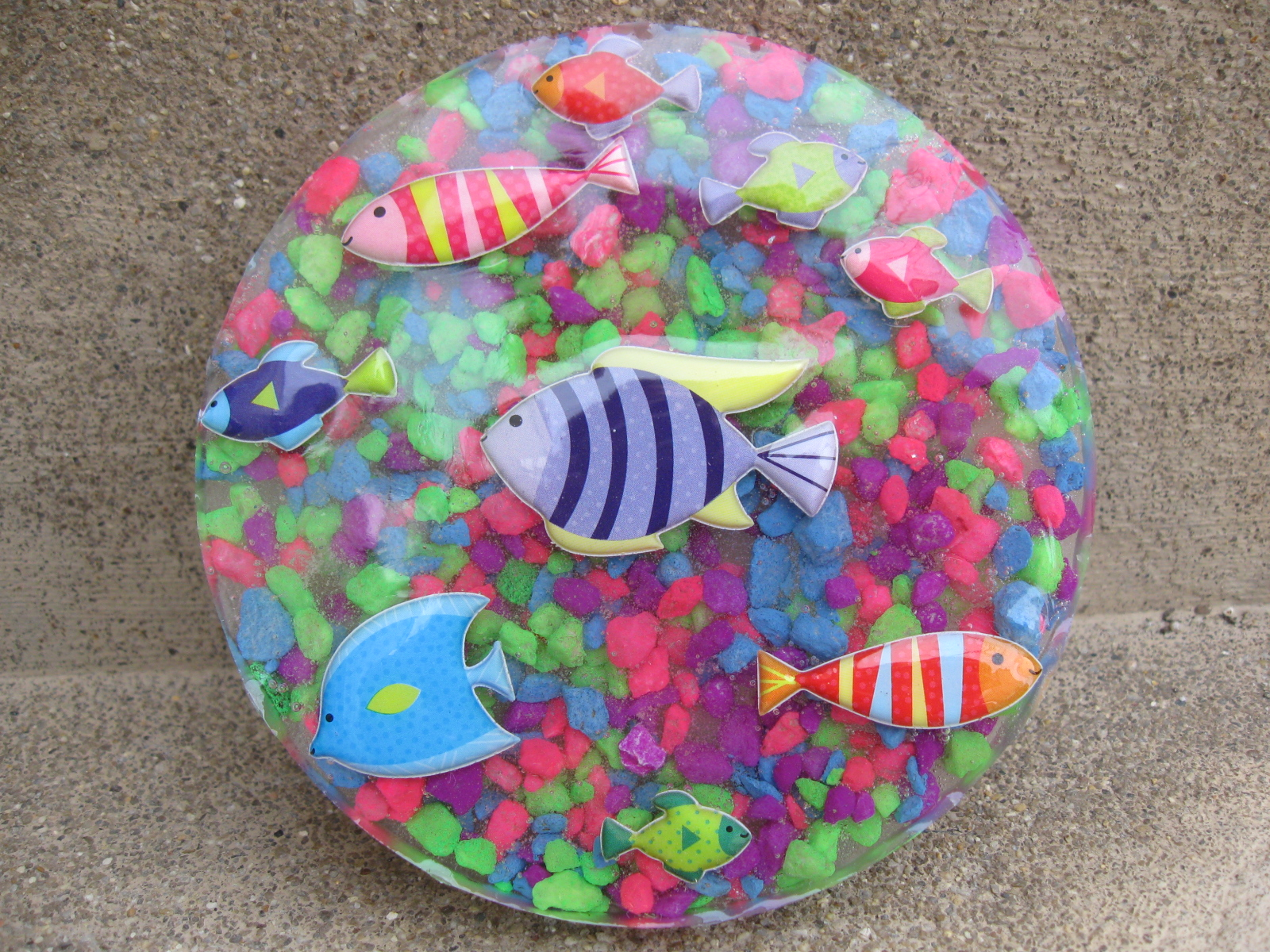 Craft klatch fish stickers and aquarium rocks coaster for What to make with fish
