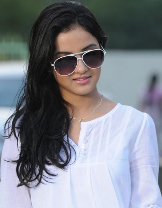 jasmine bhasin new salwar babe picture actress pics