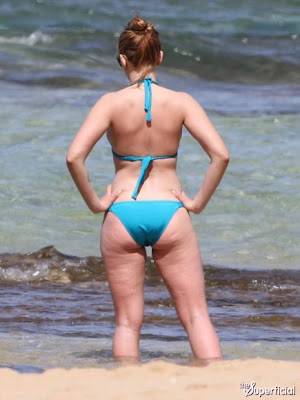 Scarlett Johansson Bikini Pics Wallpapers