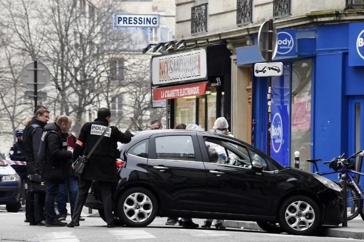 Mobil Teroris Ditemukan di Pinggiran Kota Paris