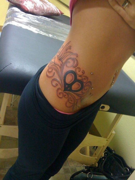 Tattoos For Girls On Hip