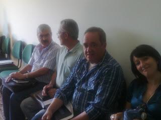DIR. IZETE ACOMPANHADA PELOS DIRETORES PAULO, MÁRIO E O ÉLIO.