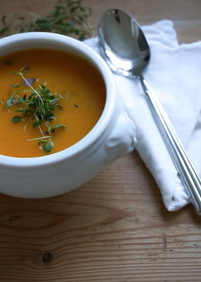 Butternutsuppe med gulerødder & chili
