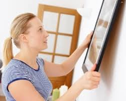 Tips Meletakkan Lukisan atau Foto Pada Dinding