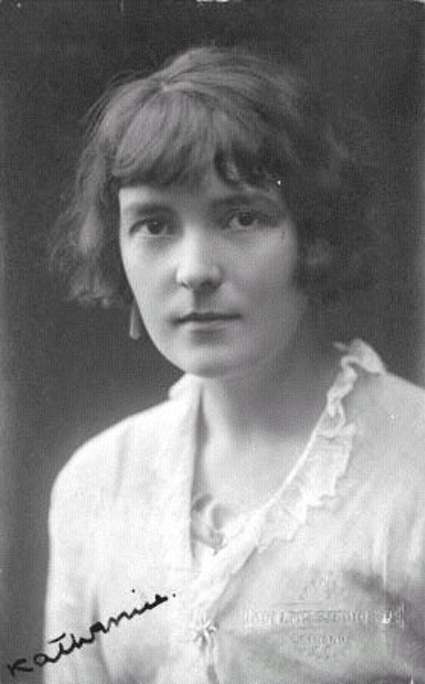 the early life and career of katherine mansfield Katherine mansfield was born in wellington as the daughter of a successful businessman her family was wealthy enough to afford to send her to queen's college, london for her education she then returned to new zealand for two years, before going back to london to pursue a literary career.