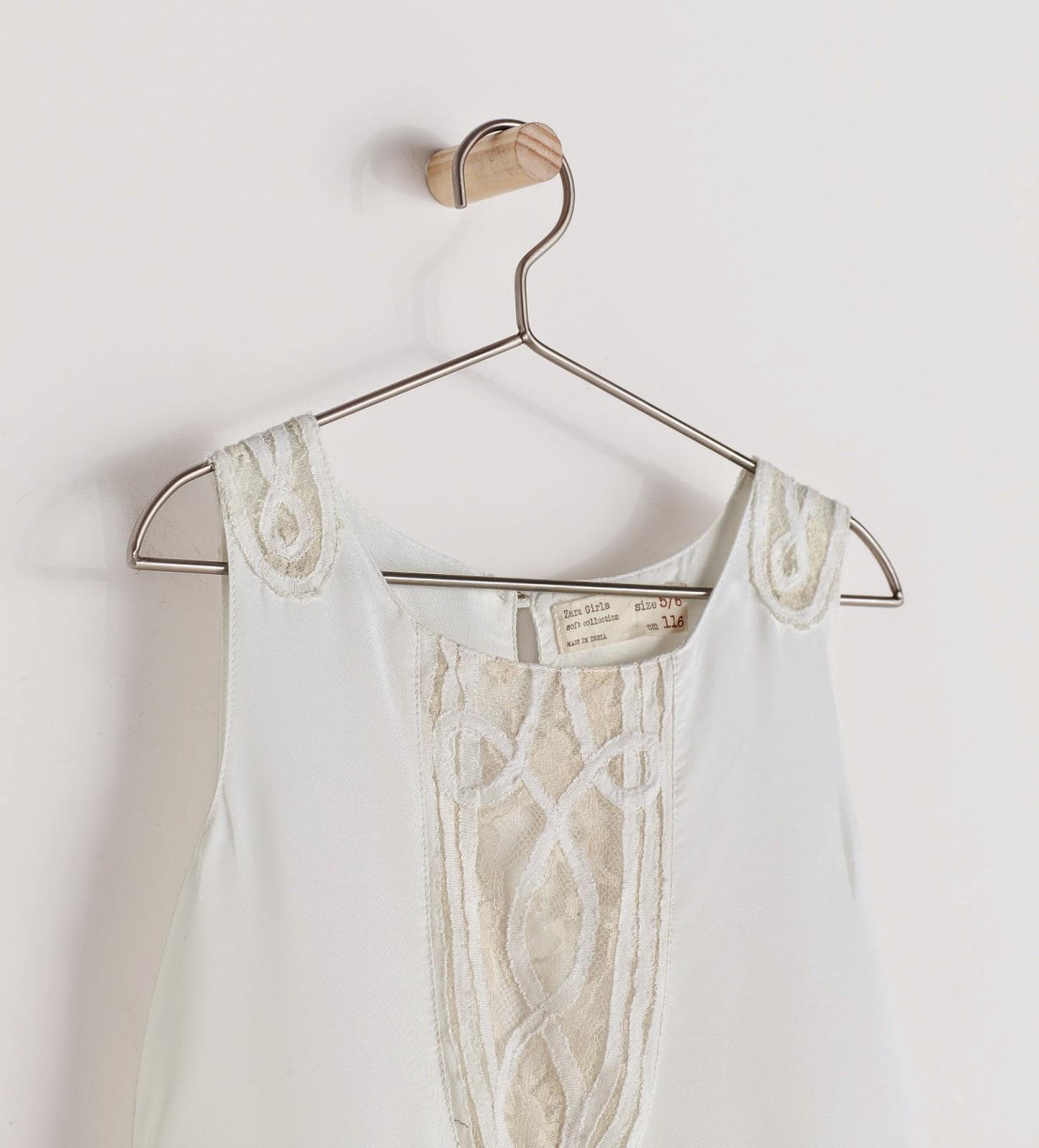 Bajo falda morenita con culito - 2 part 3