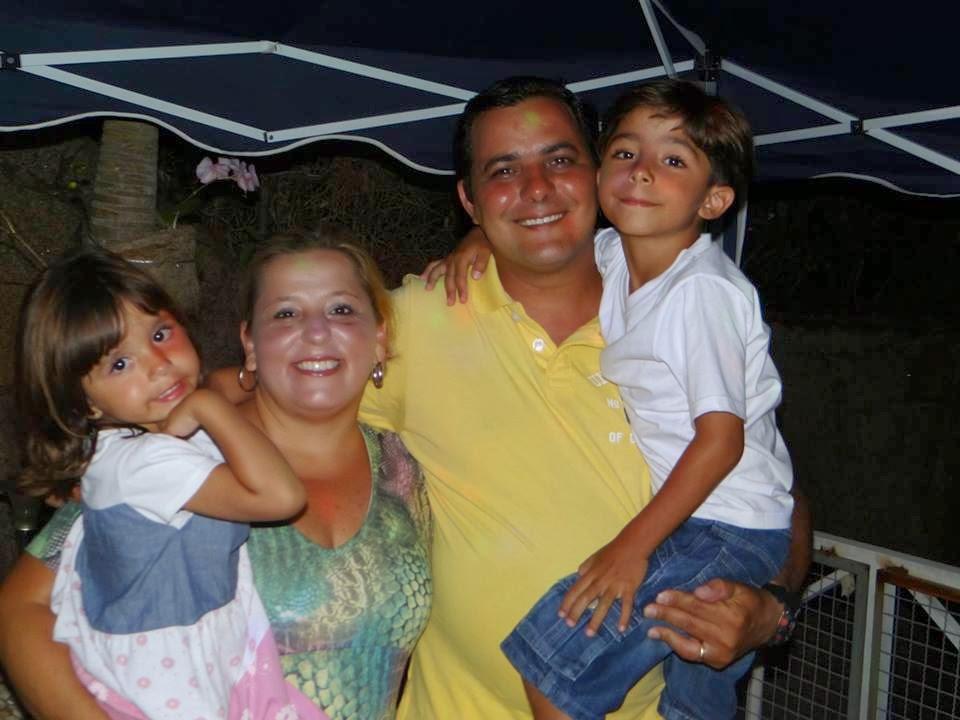 Meu filho Flávio,Minha nora Claudia e meus netos Enzo e Anallú!!!