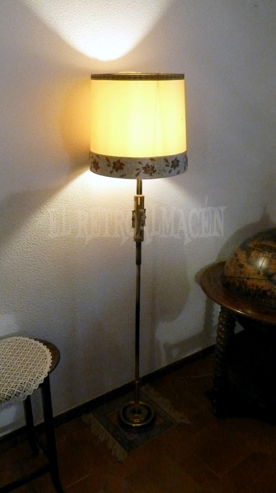 Retroalmacen tienda online de antig edades vintage y decoraci n lampara de pie antigua en - Lampara de pie vintage ...
