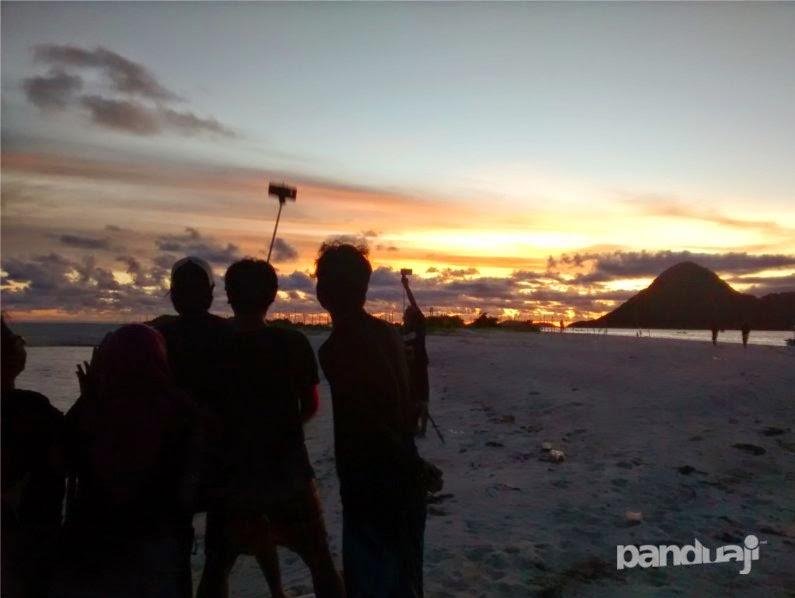 Sunset di Pulau Noko