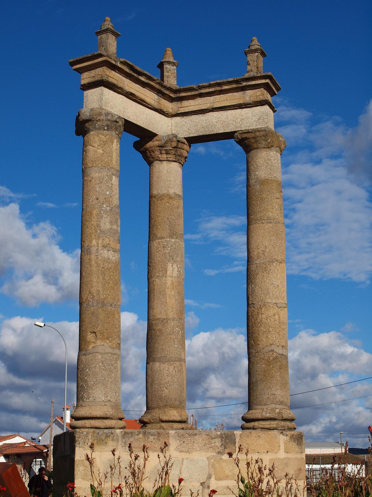 Turismo por salamanca algunos restos romanos en la for Oficina de turismo ciudad rodrigo