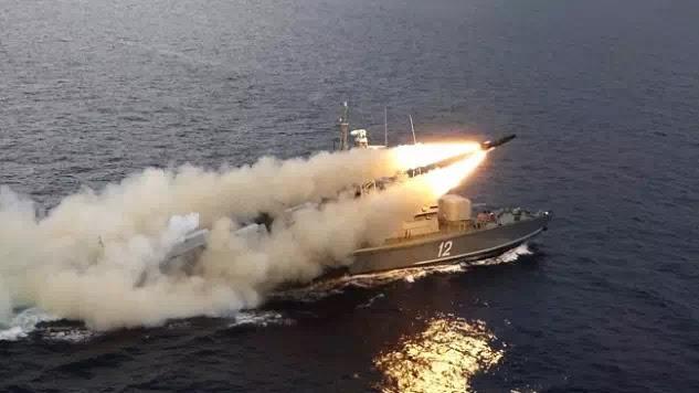 ΡΩΣΙΚΟΣ ΚΑΤΑΙΓΙΣΜΟΣ! Με βαλιστικούς πυραύλους χτύπησαν τους τζιχαντιστές στην Συρία (Βίντεο)