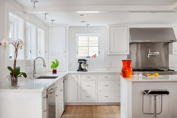 amenajari, interioare, decoratiuni, decor, design interior, alb, rosu, bucatarie