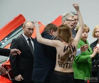 cewek telanjang didepan presiden rusia