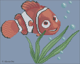Small Nemo. Nemo, Finding Nemo, Disney, cartoon, cross-stitch, back stitch, free pattern, half stitch, quarter stitch, animal, fish, seascape, x-stitchmagic.blogspot.it, вышивка крестиком, бесплатная схема, punto croce, schemi punto croce gratis, DMC, blocks, symbols