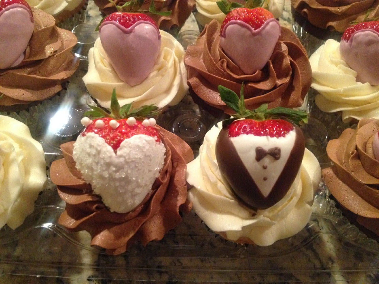 Cake Geniuses: Chocolate Covered Strawberry Wedding Party