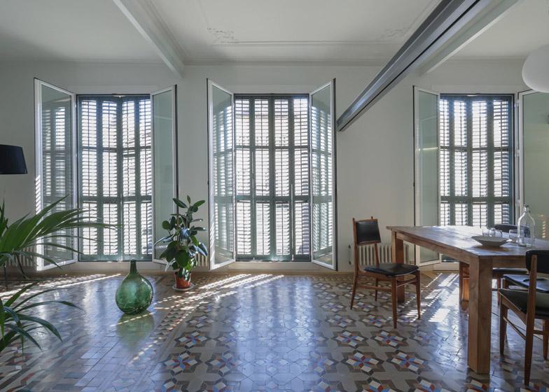 Reforma Baño Estrecho:deconauta space: REFORMA L'EIXAMPLE por NOOK ARCHITECTS: la