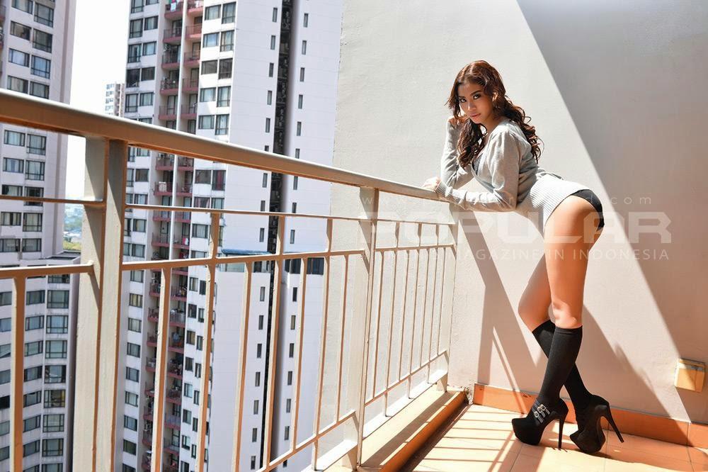 Foto Artis Seksi Prycyla di Majalah Popular
