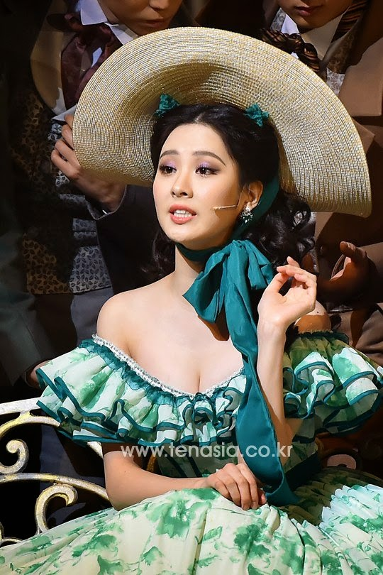 Seohyun plays scarlett o 39 hara for 39 gone with the wind for Who played scarlett o hara in gone with the wind