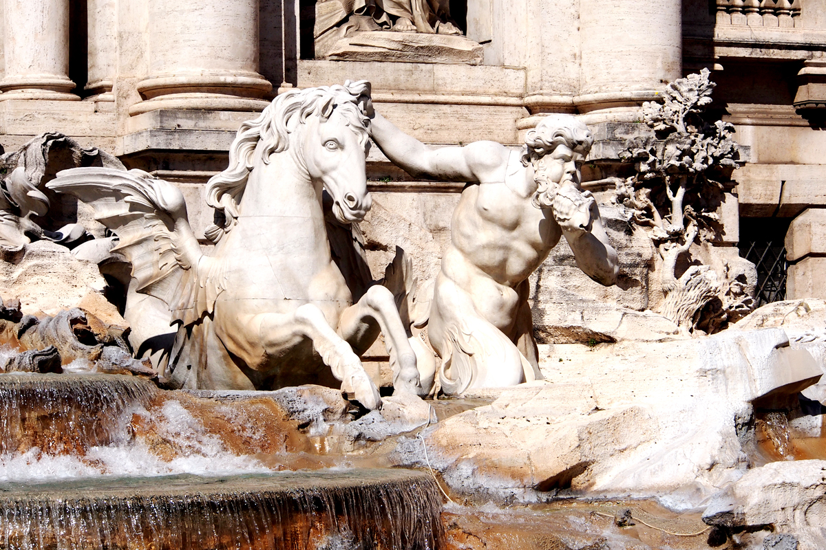 """Roms Altstadt – Ein Sehenswürdigkeiten-Rundumschlag // Fontana di Trevi - """"Fee ist mein Name"""""""