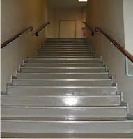 L'escalier : un risque élevé de chute.
