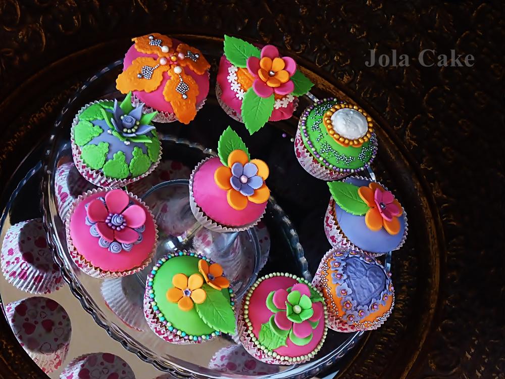 http://abcmojejkuchni.blogspot.com/2014/02/cupcake-cytrynowe-dekorowane-w-stylu.html