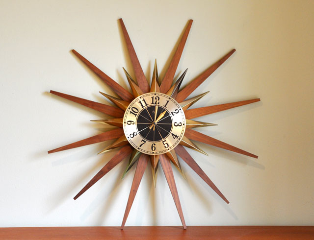 Часы Sunburst Clock в форме солнца