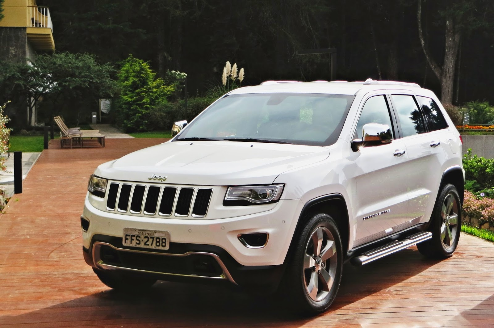 Lançamento: JEEP GRAND CHEROKEE LIMITED DIESEL 2014