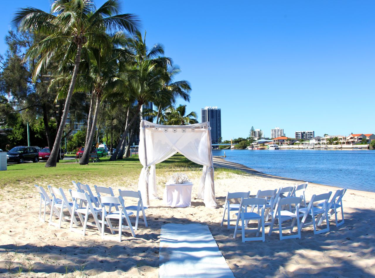 Gold coast beach weddings for Beach wedding venues east coast