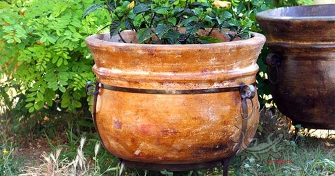 amadera meuble et d coration le charme thique du mexique authentique les poteries de jardin. Black Bedroom Furniture Sets. Home Design Ideas