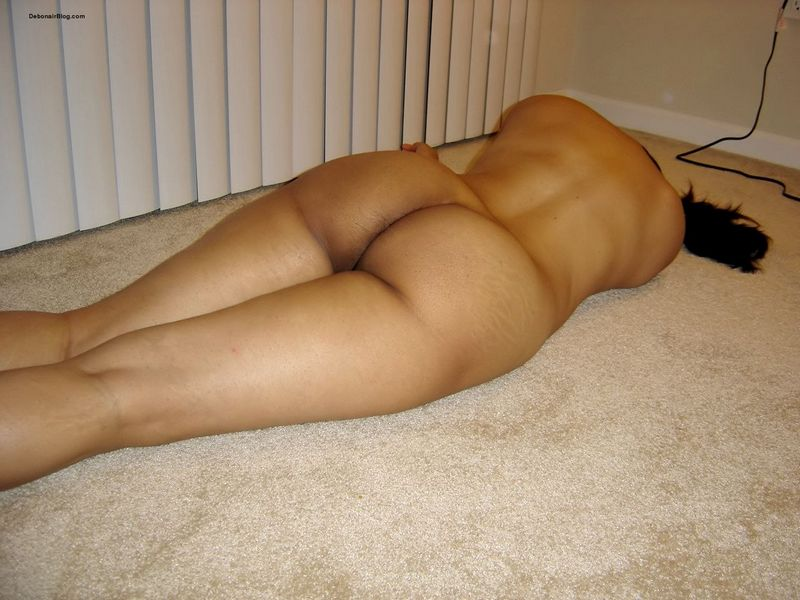nude big booty lying down