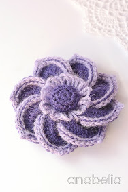 Helena crochet brooch by Anabelia