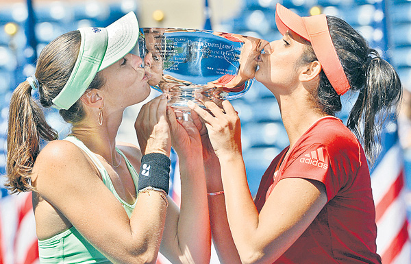 Sania Mirza won in US  Womens Doubles