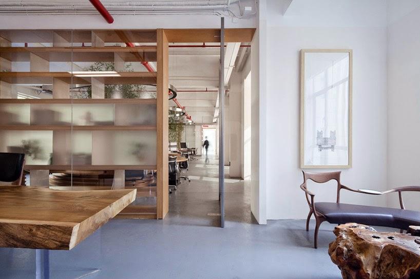 Oficina con Plantas de Bambu al Interior
