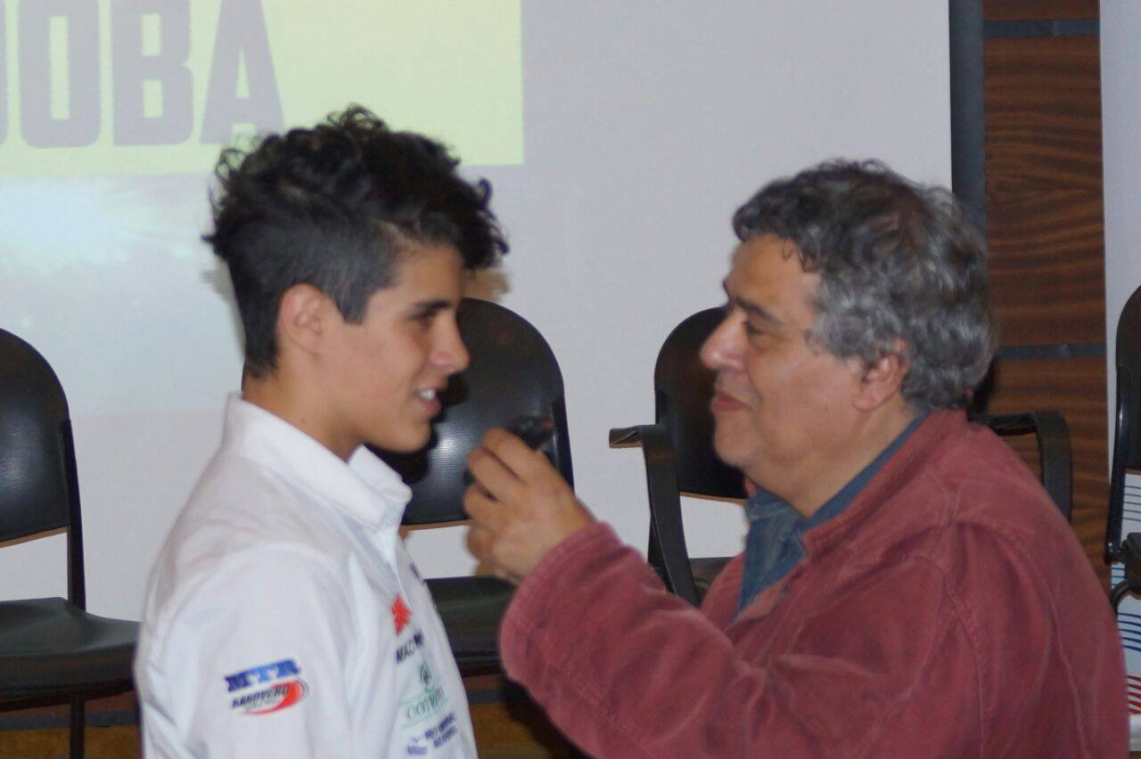 CON JUAN CRUZ ACOSTA