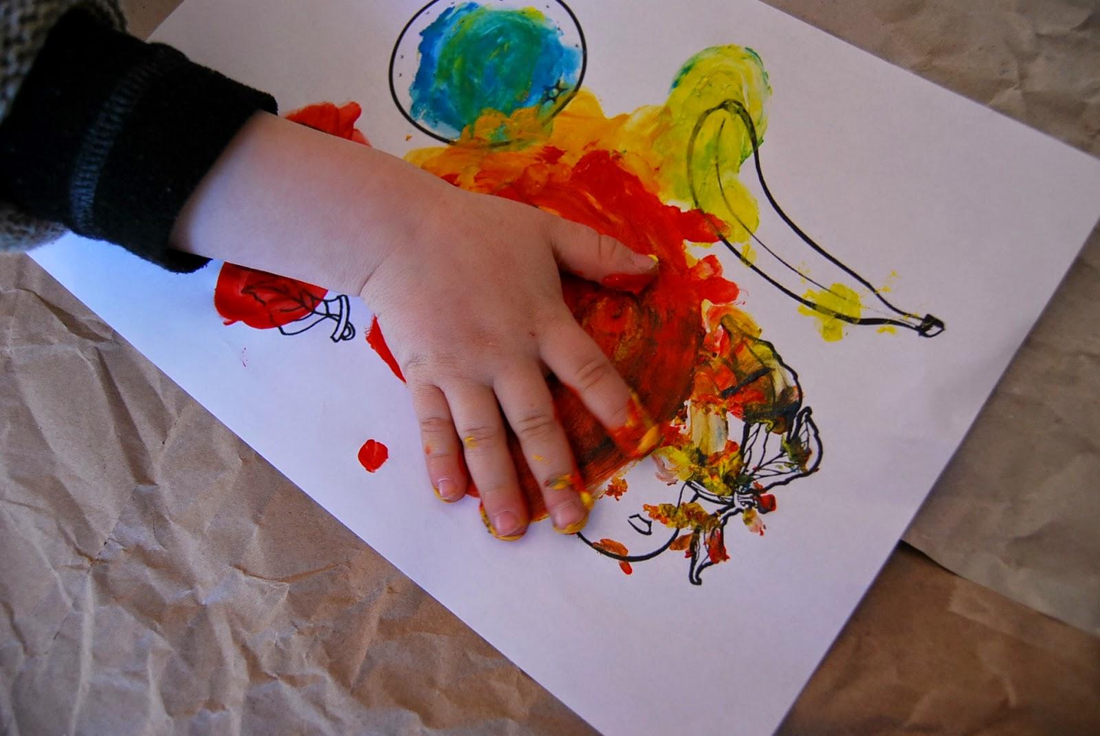 Merci Qui Merci Montessori Cinq Activites Pre Graphiques Pour Les 2 3 Ans