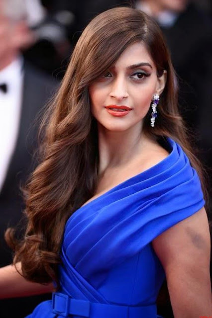 Beautiful Sonam Kapoor Wallpaper