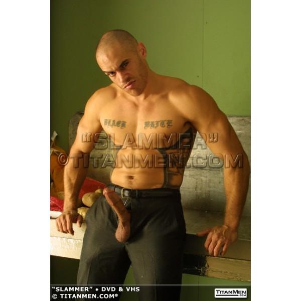 trespass: crobearporn.blogspot.com/2012/02/masculine-tattoed-porn-star-dred...