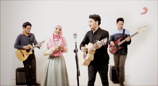 Fatin%2BShidqia%2B%26%2BTheovertunes%2B %2BKaulah%2BKamuku Chart Tangga Lagu Indonesia Terbaru November 2014 | Dahsyat RCTI