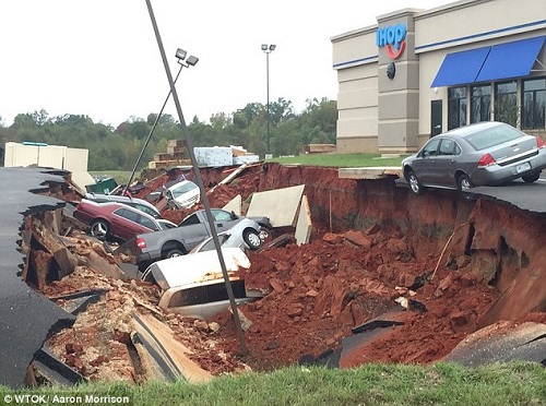mississippi_sinkhole_damage