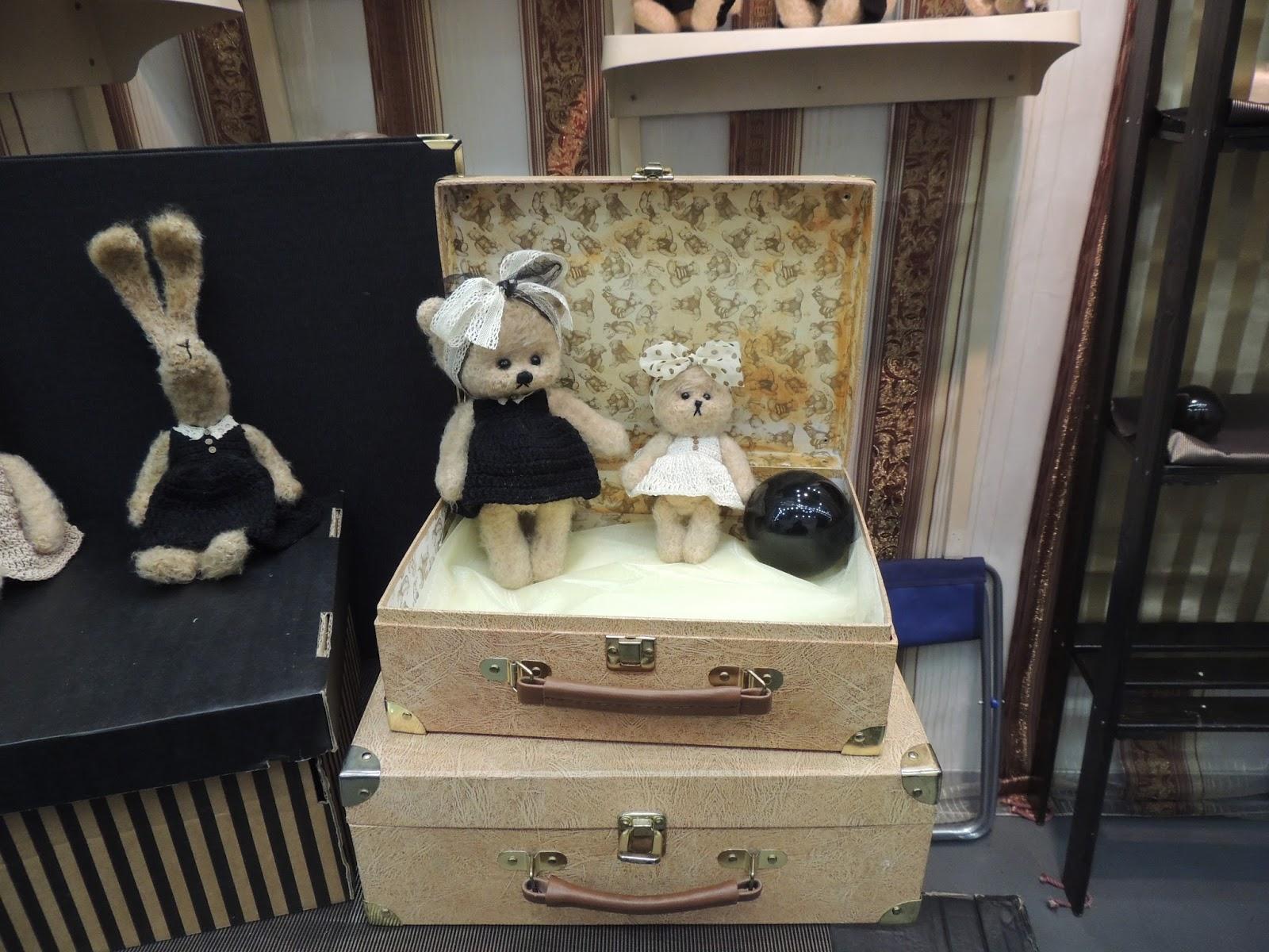мишка,чемодан