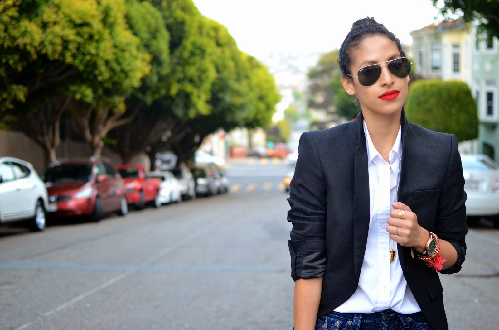 red lips, Stila Beso 10, matte red lips, black blazer, zara, casual work wear, tux blazer for women