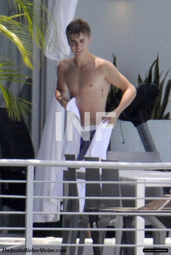 Justin Bieber shirtless 2011