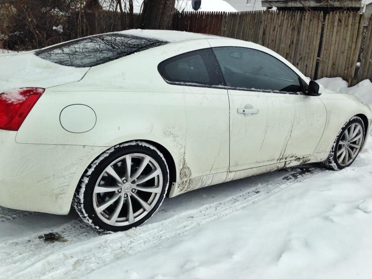 infiniti g37 in snow