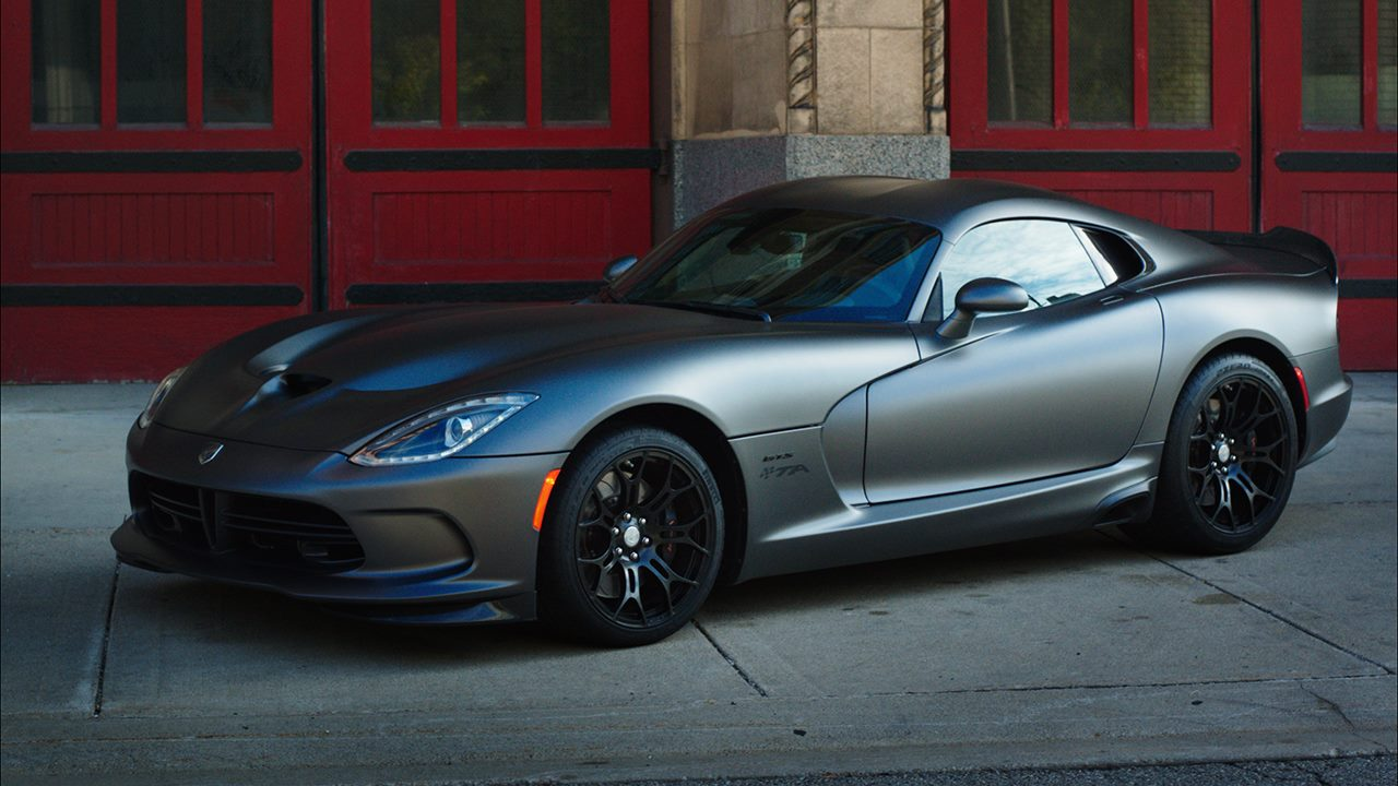 dodge viper bient t la sortie de route autos am ricaines blog. Black Bedroom Furniture Sets. Home Design Ideas