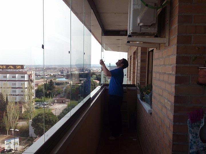 Cerramientos en zaragoza presupuesto gratis aluminio y pvc - Cerrar balcon ...