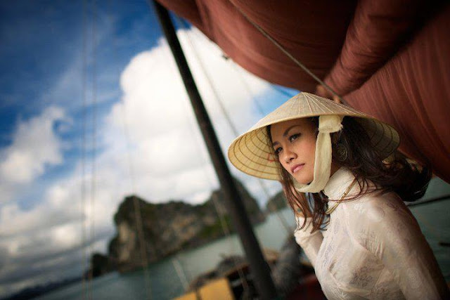 Vietnamese woman in Halong Bay